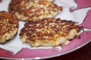 Anna's Kitchen: Cauliflower Fritters