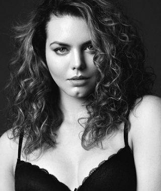 Freya @ Models 1 Curve