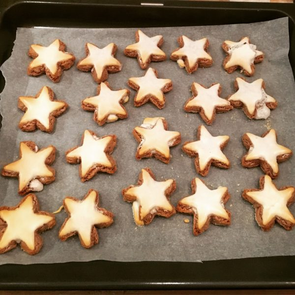 xmas-cinnamon-stars-2-recipes-christmas-biscuits